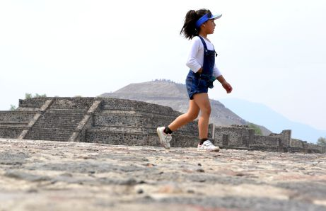Love photographing kids, Teotihuacan